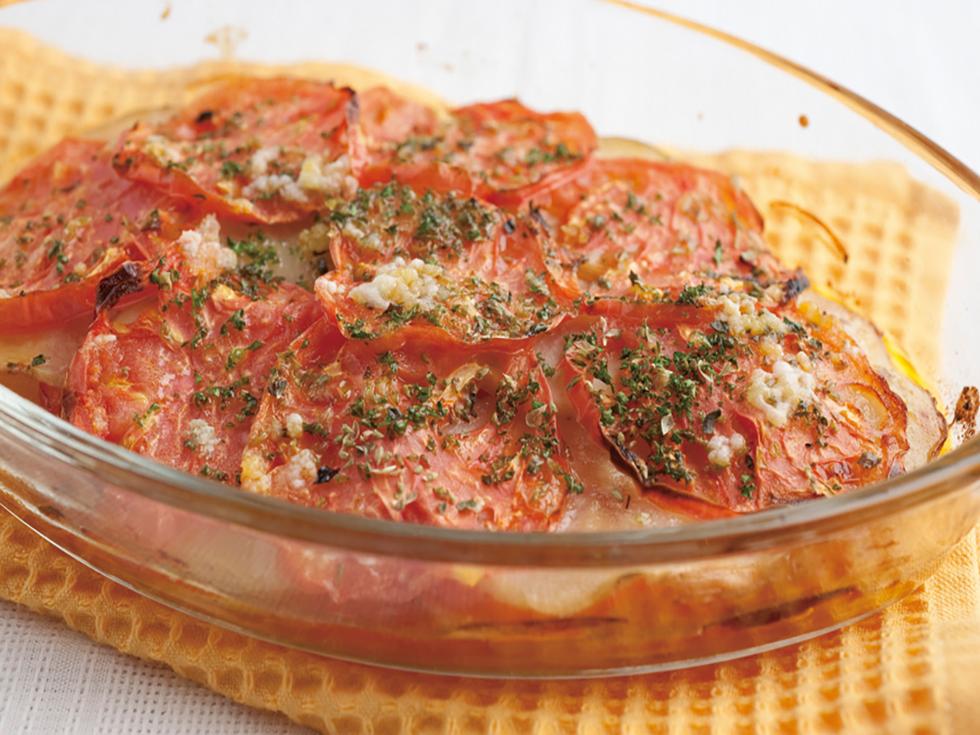 ジャガイモとトマトの重ね焼き