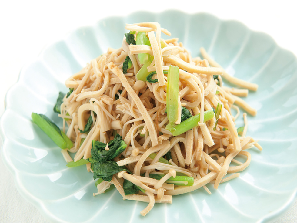 高野豆腐とエノキの青菜炒め